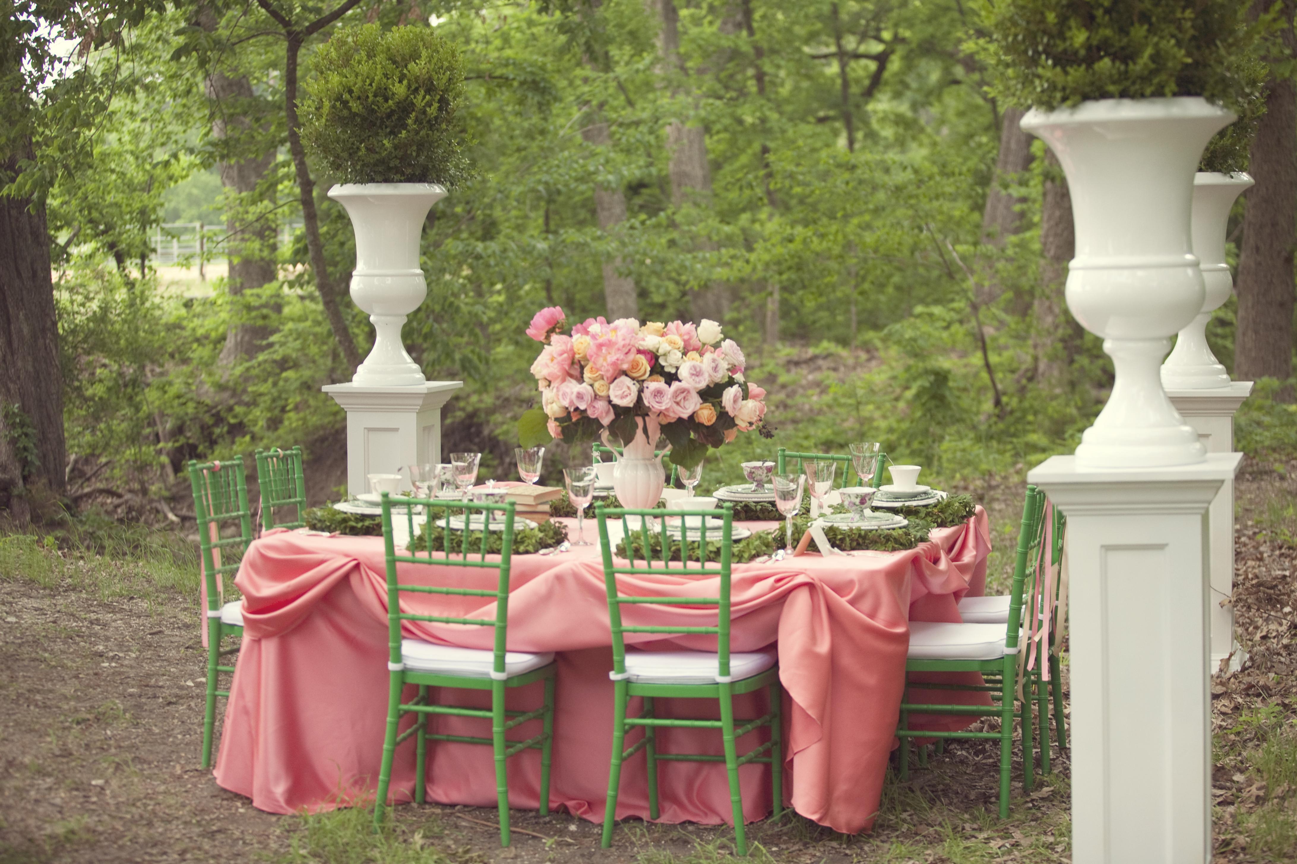 Modern English Garden Wedding Inspiration via TheELD.com