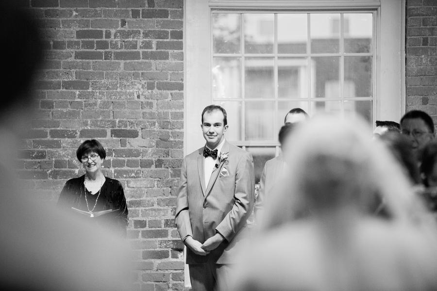 Elegant Navy and White North Carolina Wedding via TheELD.com