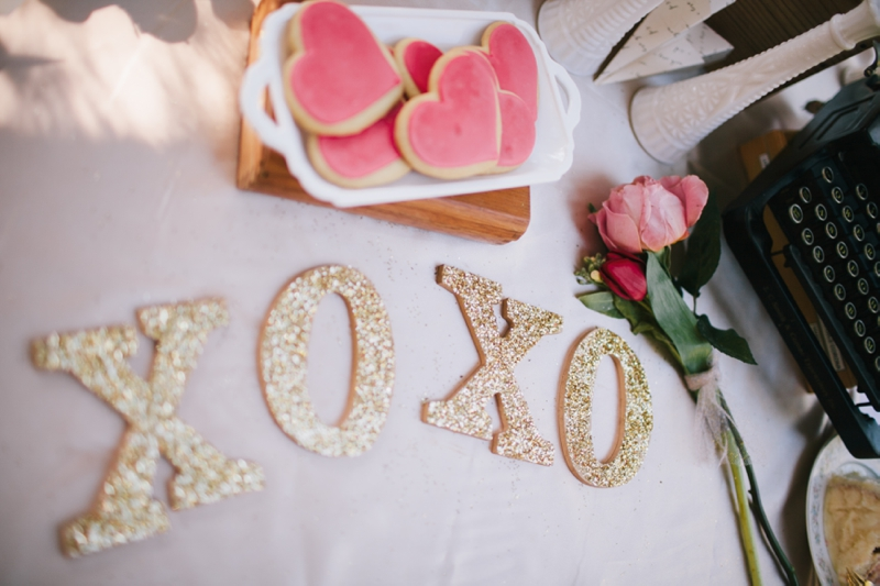 Vintage Valentines Day Love Session via TheELD.com