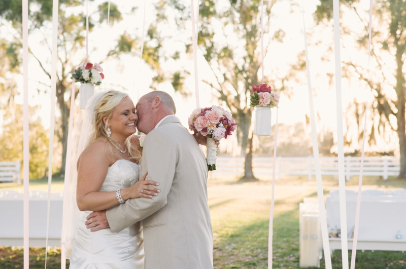 Southern Vintage Pink and Navy Wedding via TheELD.com