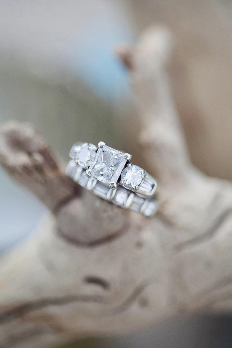 Aqua Wedding Ideas {Rustic}  via TheELD.com