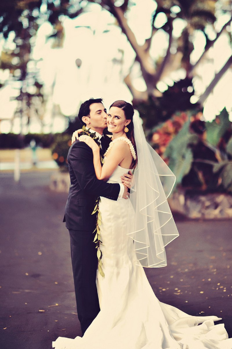 Rustic Elegant Champagne & White Hawaii Wedding via TheELD.com
