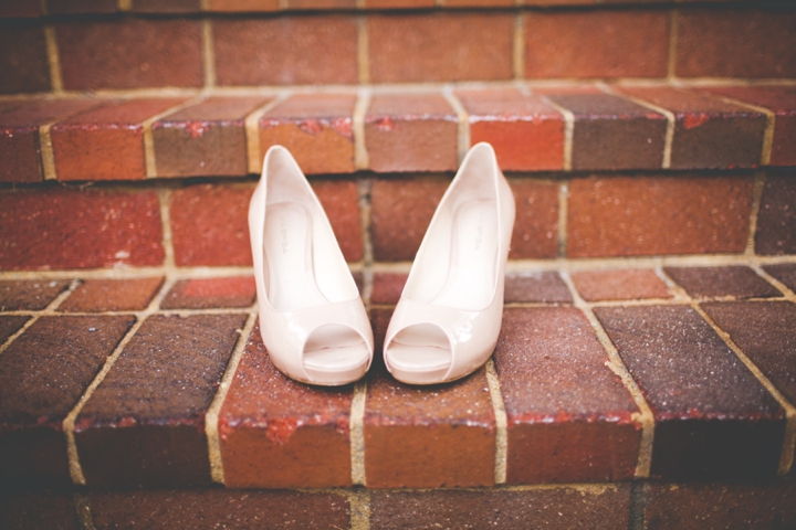 Modern Elegant Emerald and Navy Wedding via TheELD.com