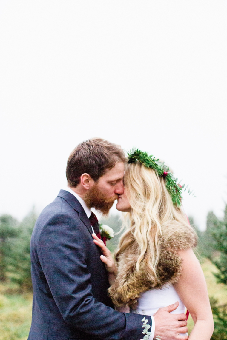 Rustic Chic Red and White Wedding Inspiration via TheELD.com