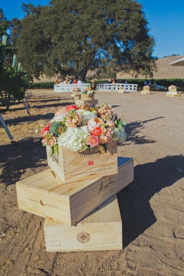 Mint & Orange California Vineyard Wedding via TheELD.com