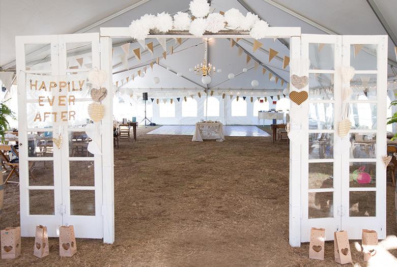 Vintage Eclectic Blue & Gold Missouri Wedding via TheELD.com