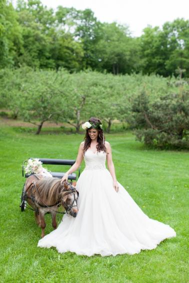 Vintage Shabby Chic Wedding Inspiration via TheELD.com