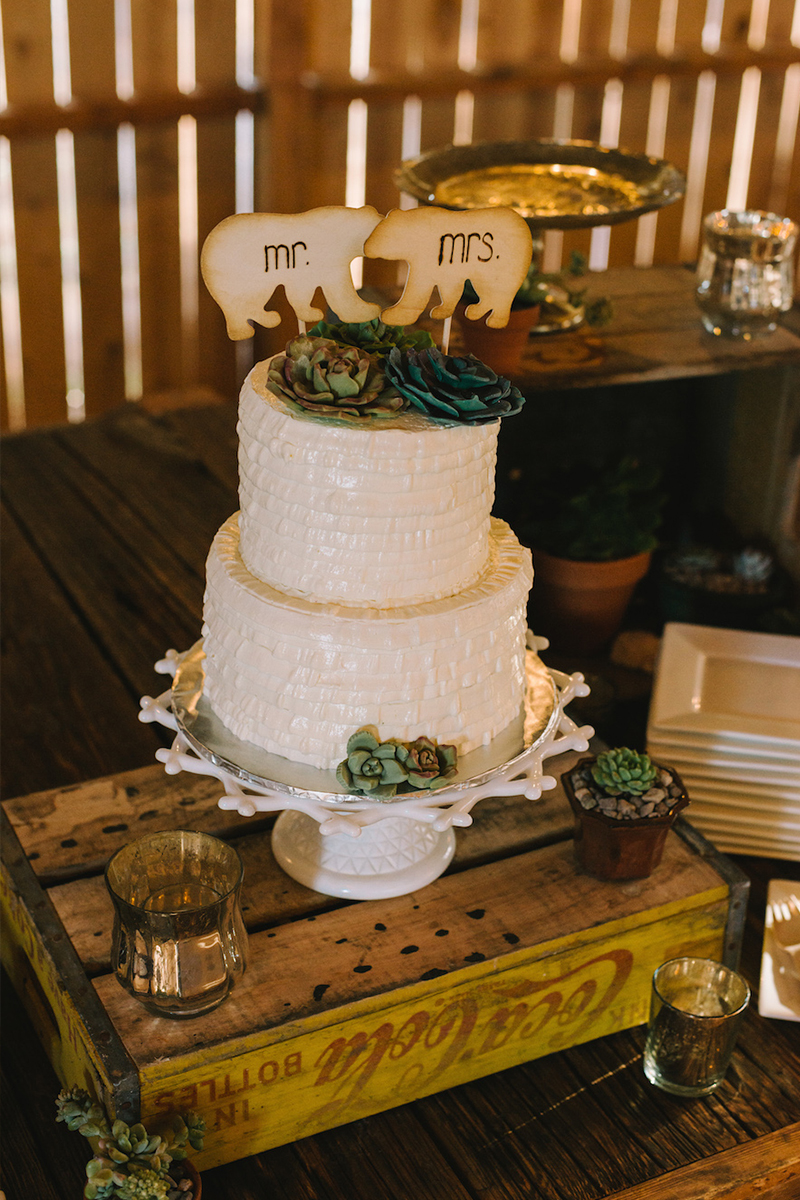 An Eco Friendly Los Angeles Wedding via TheELD.com
