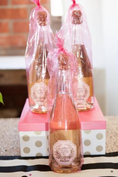 Kate Spade Bridal Shower Ideas via TheELD.com