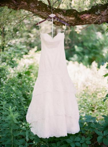 A Vintage Garden Connecticut Wedding via TheELD.com