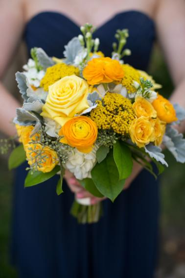 A Navy and Yellow North Carolina Wedding via TheELD.com