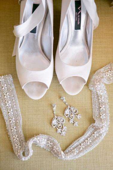 A Pink Vintage Chic North Carolina Wedding via TheELD.com