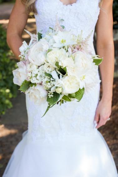 A Romantic Charleston Wedding via TheELD.com