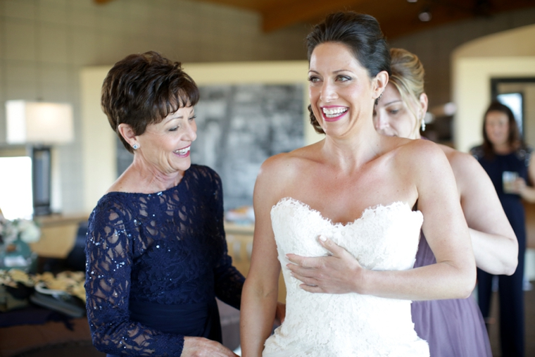 A Nature Inspired Oceanside Wedding via TheELD.com