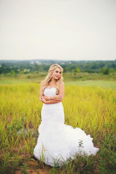 A Yellow and Blue Rustic Florida Wedding via TheELD.com