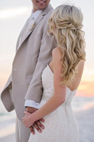 An Elegant Beach Wedding via TheELD.com