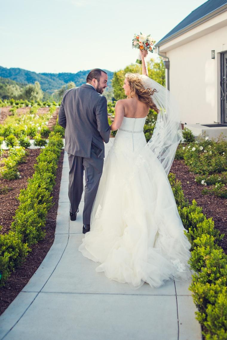 Elegant Orange and White California Wedding via TheELD.com