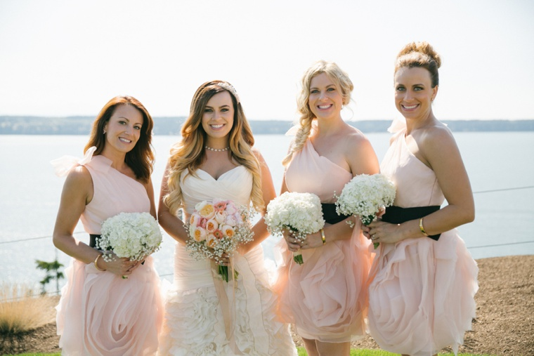Blush and Gold Seattle Wedding via TheELD.com