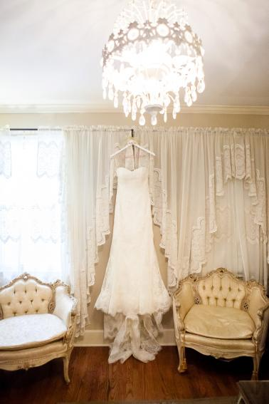 Vintage Chic Nashville Wedding via TheELD.com