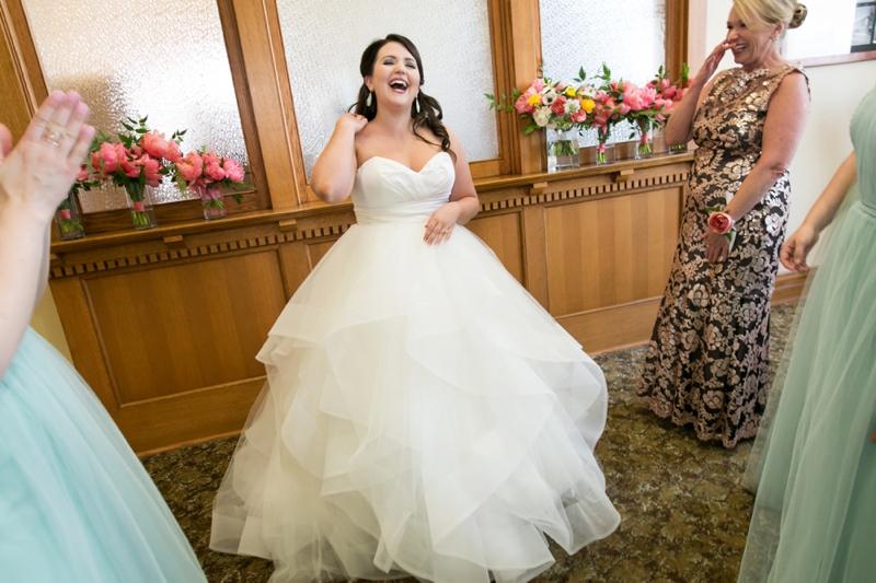 A Romantic Pink & Mint Texas Wedding via TheELD.com