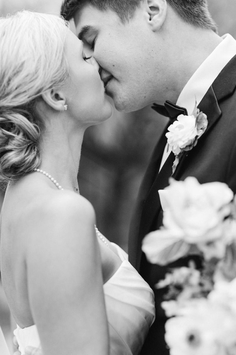 A Timeless & Organic Southern Wedding via TheELD.com