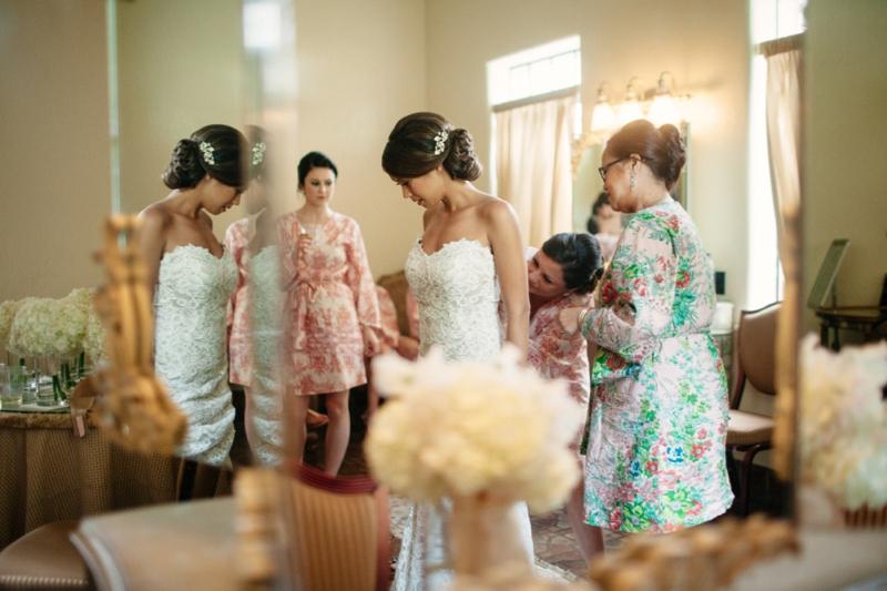 Elegant Blush and Gold Sarasota Wedding via TheELD.com