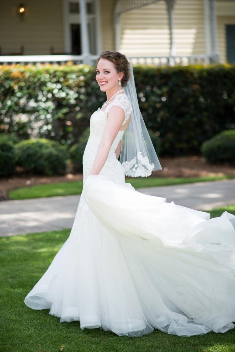 An Elegant Yellow and Lavender Wedding via TheELD.com