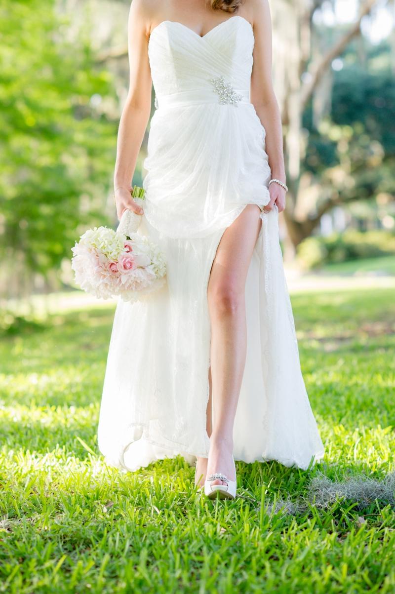 An Intimate Pink and Aqua Wedding via TheELD.com