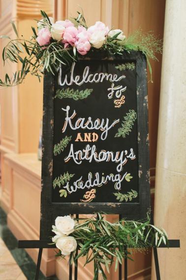 Romantic Blush and Gold Las Vegas Wedding via TheELD.com
