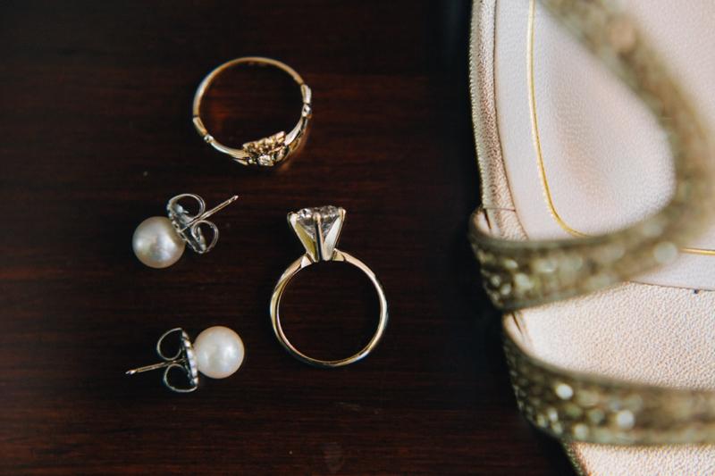 Vintage Elegant Lavender Wedding via TheELD.com