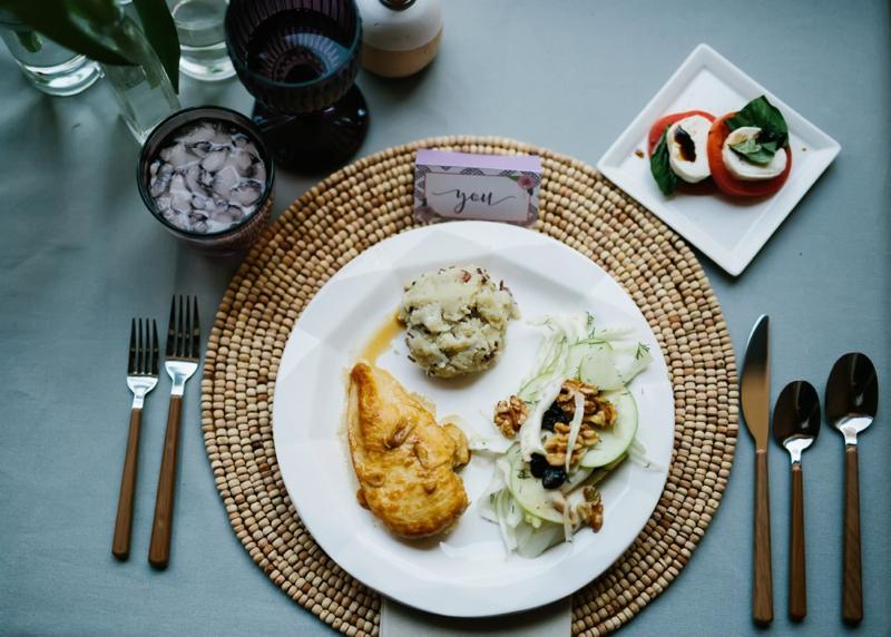 Valentines Day DIY Dinner Date via TheELD.com
