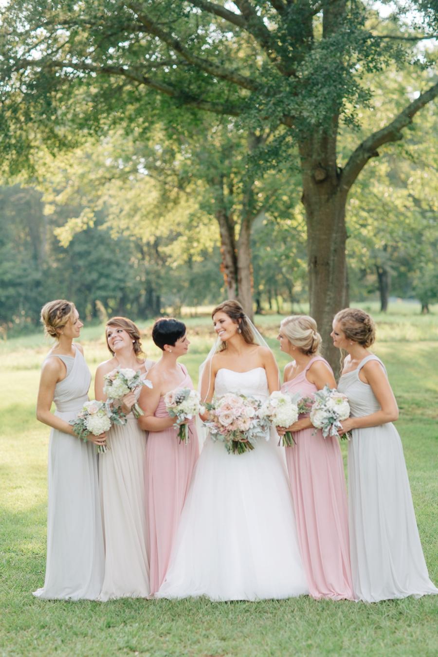 A Blush & Champagne Georgia Wedding via TheELD.com