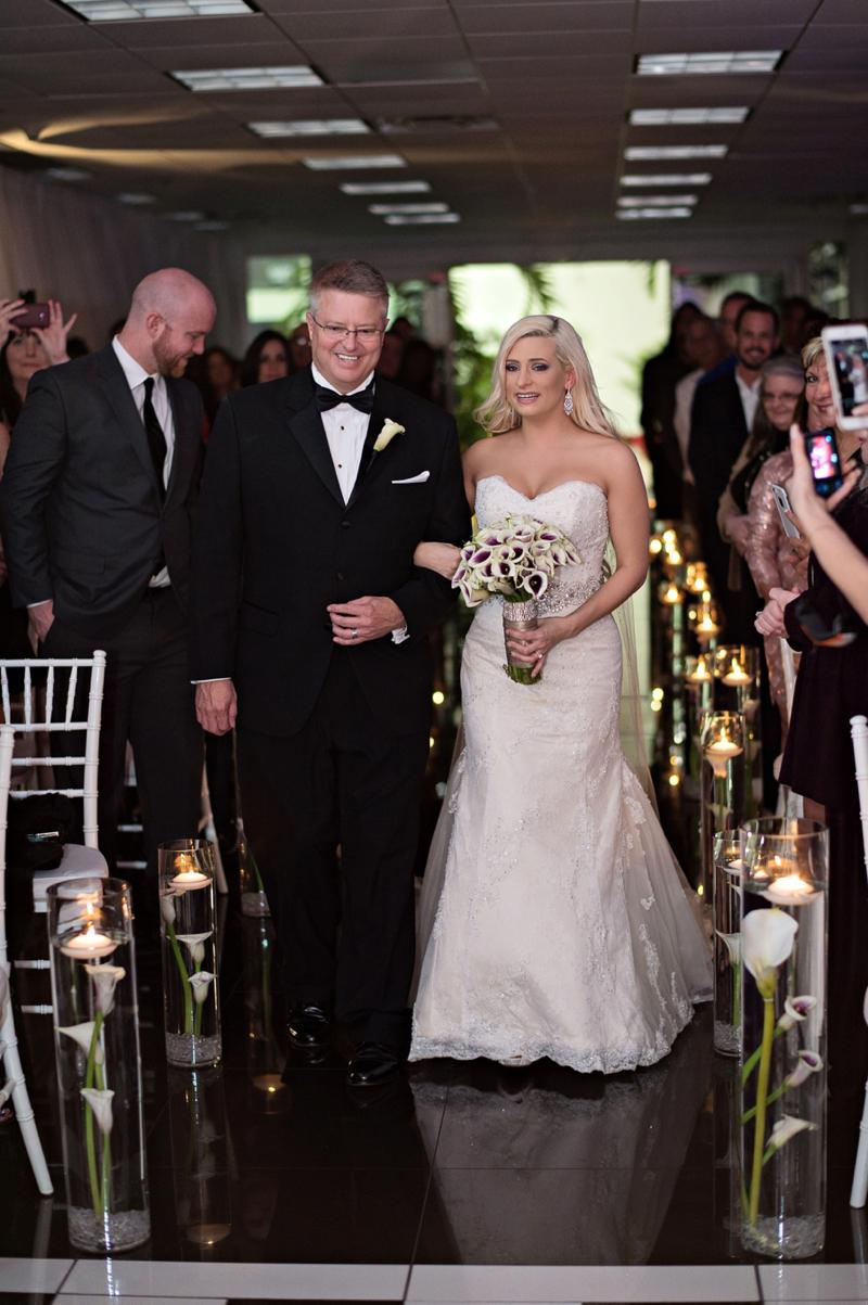 Modern & Glamorous Purple Wedding via TheELD.com