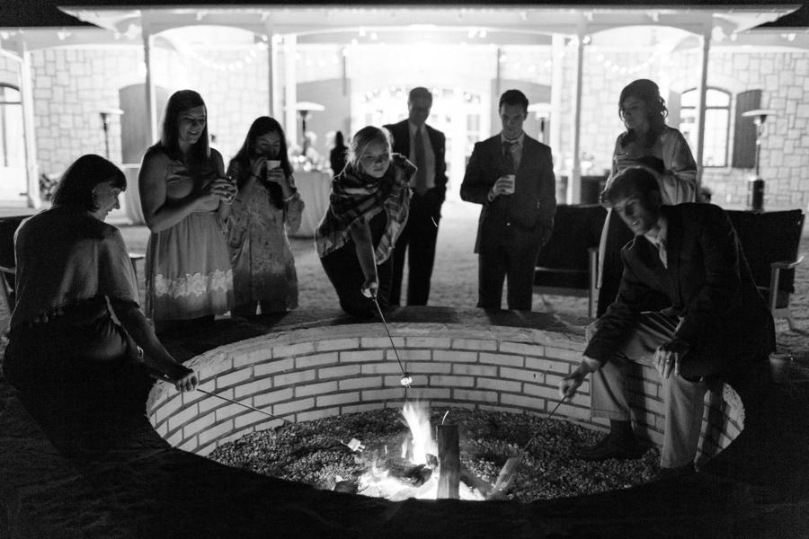 Chic, Elegant Navy and White Georgia Wedding via TheELD.com