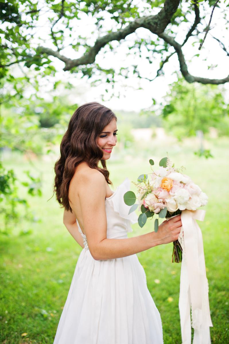 Vintage Peach Southern Wedding Ideas via TheELD.com