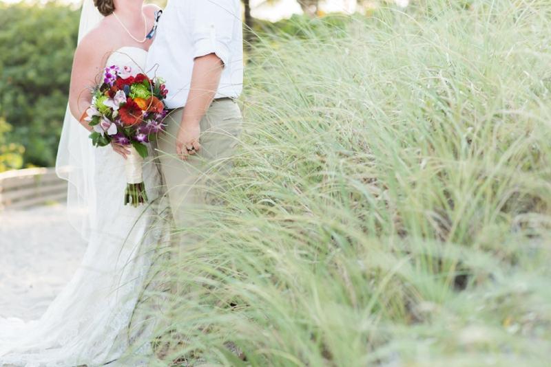 A Colorful & Tropical Beach Wedding via TheELD.com