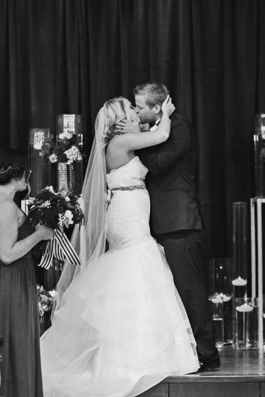 Chic Kate Spade Inspired Oklahoma Wedding via TheELD.com