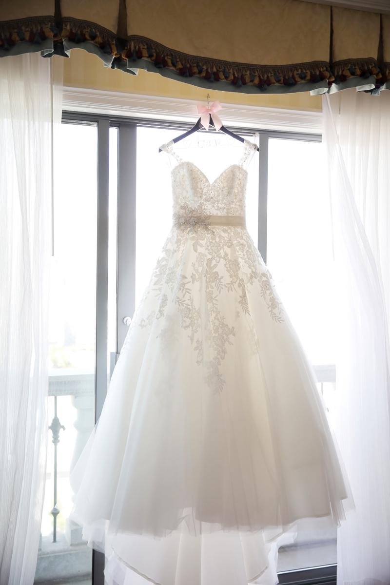 Elegant Pink & White Salt Lake City Wedding via TheELD.com
