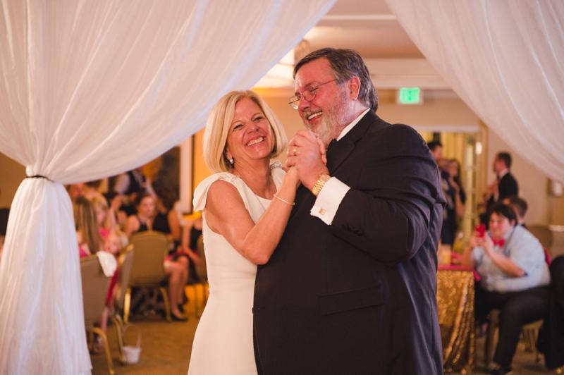 An Elegant Kate Spade Inspired Wedding via TheELD.com