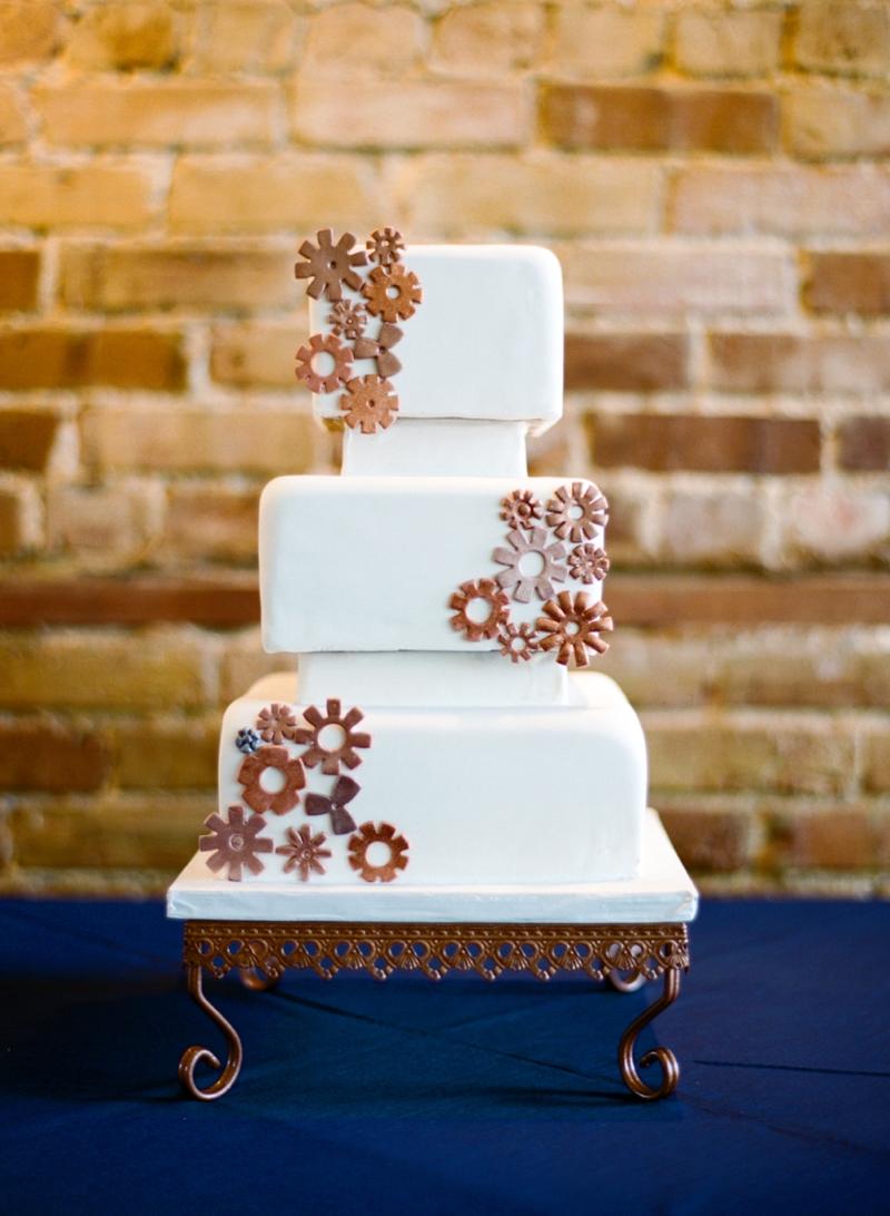 Intimate Copper and White North Carolina Wedding via TheELD.com