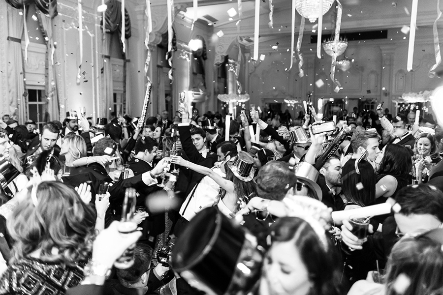 New Years Eve Black and Gold Wedding via TheELD.com