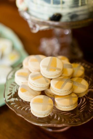 Greenery & Peach Vintage Eclectic Wedding Ideas via TheELD.com