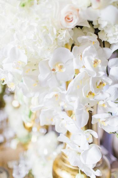 Organic White & Gold Luxe Wedding Ideas via TheELD.com