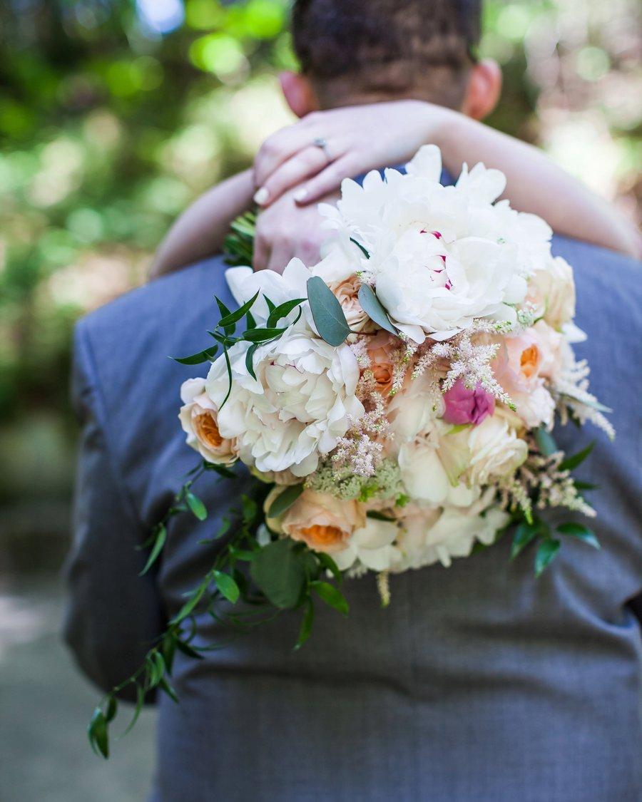Blush, Peach, & Ivory Woodsy California Wedding via TheELD.com