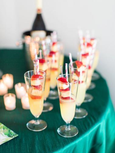 A Colorful Tropical Dinner Party via TheELD.com