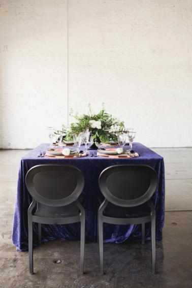 Navy Blue Modern Abstract Art Inspired Wedding Ideas via TheELD.com
