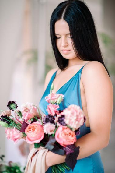 Minimalist Ethereal Wedding Ideas via TheELD.com