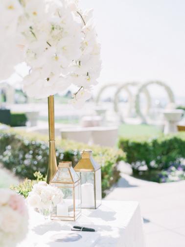 A Luxe & Elegant Ballroom Wedding in California via TheELD.com