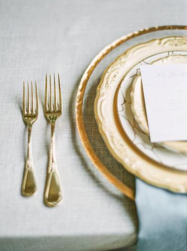 Romantic Peach & Orange Autumn Inspired Wedding Ideas via TheELD.com