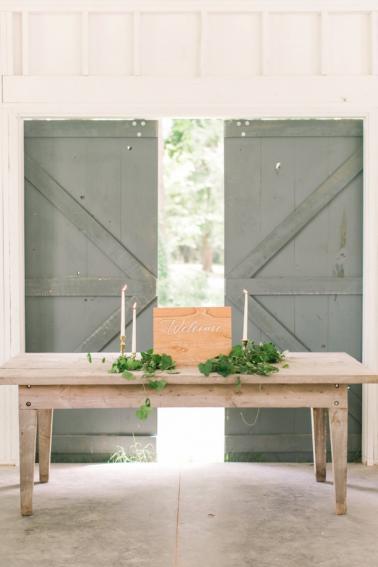 Fresh Blush & Lavender Southern Wedding Ideas via TheELD.com
